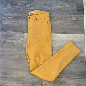 • Yellow Rich & Skinny Denim •
